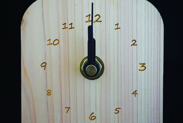 間伐材製時計